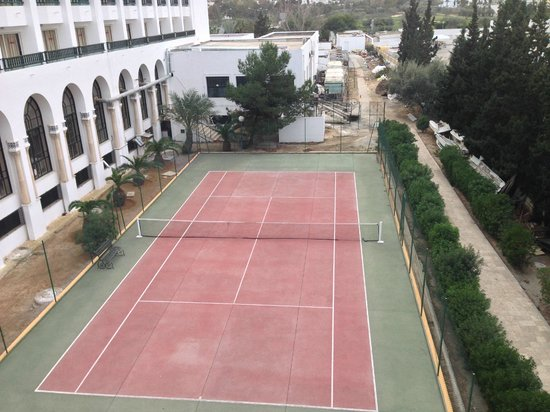 Hôtel Riviera Resort : Tennis Court