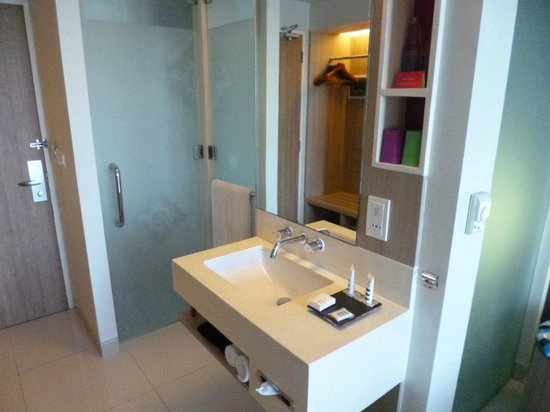 Mercure Bali Nusa Dua : Bathroom