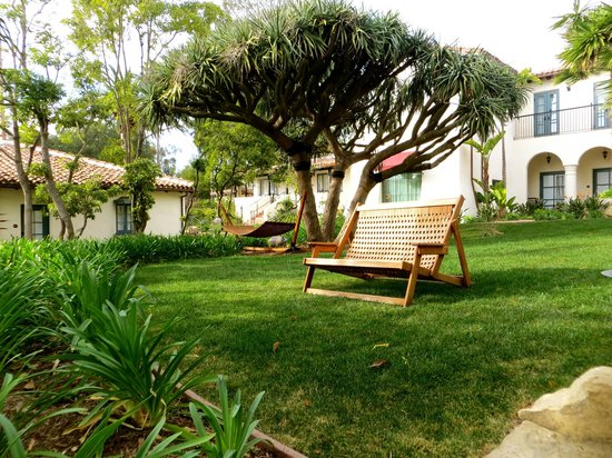 Belmond El Encanto: Sitting areas around gardens to bring a book and relax.