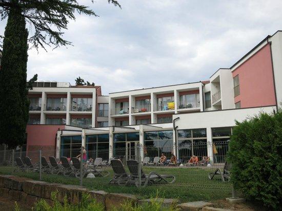 Remisens Hotel Lucija: Один из блоков отеля
