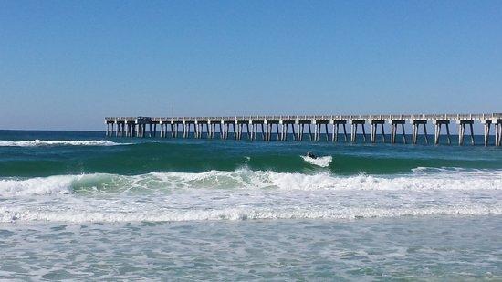 Beach Tower By The Sea : the beach