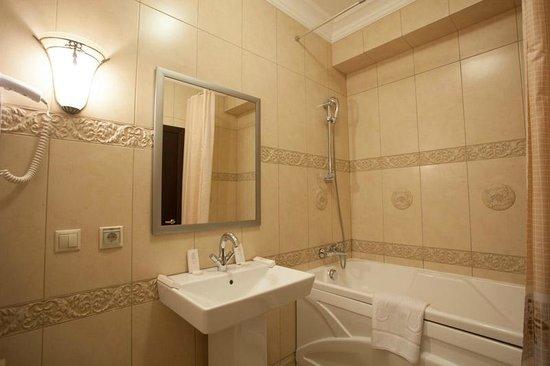 Park Hotel Europe: Ванная комната