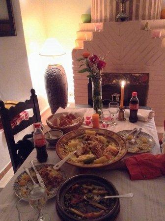 Riad Al Jana: dinner