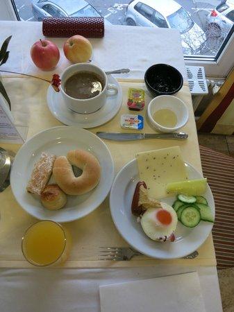 Hunguest Helios Hotel Anna: Завтрак