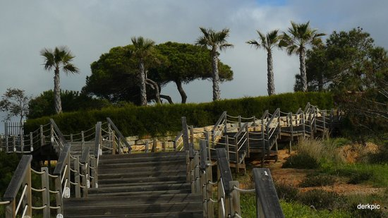 Sao Rafael Atlantico: Steps down to beach from hotel