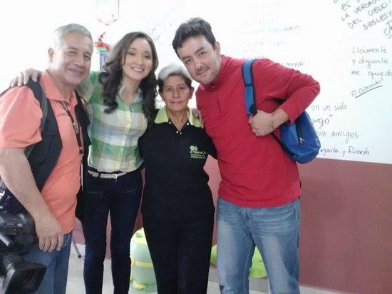 El Palacio Del Jugo: CAFE TV