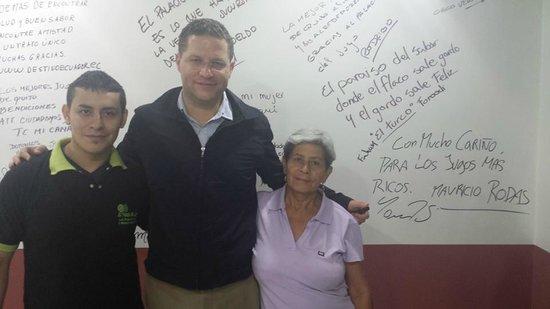 El Palacio Del Jugo: Quito Mayor Mauricio Rodas