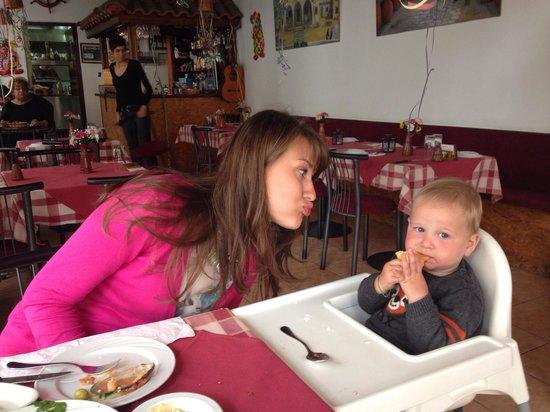 Meze Taverna Restaurant : Ели все) все было очень очень вкусно)