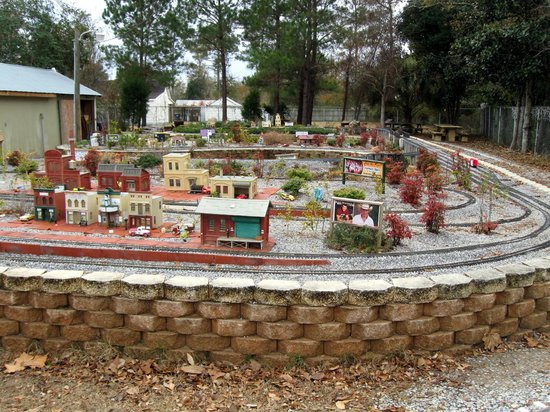 West Florida Railroad Museum: large toy train set that you can ride on