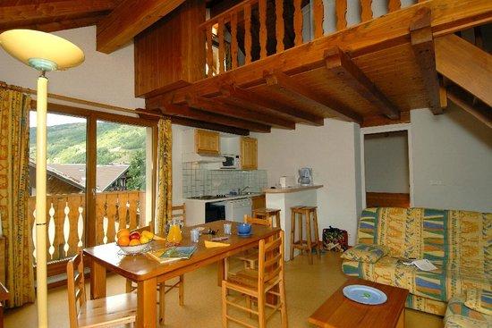 Résidence Les Roches Fleuries : Intérieur d'un logement