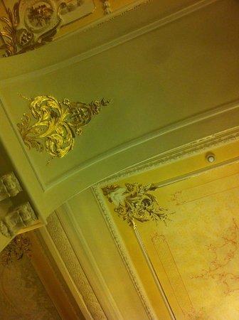 Grand Hotel des Iles Borromées & SPA : Soffitto hotel