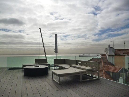 Memmo Alfama Hotel: Vue, de la terrasse