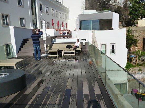 Memmo Alfama Hotel: Le coin piscine