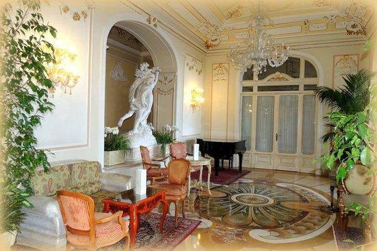Grand Hotel des Iles Borromées & SPA : Sala Pianoforte