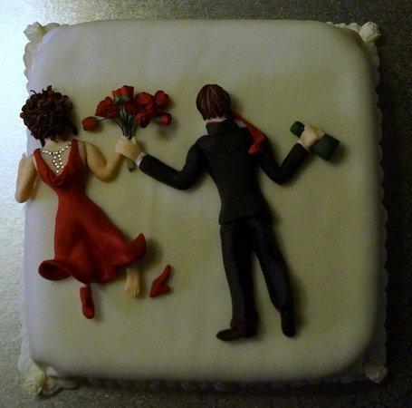 The Horns Country Inn: The cake
