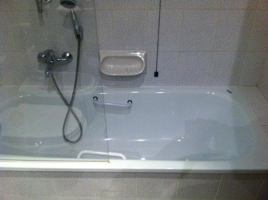 Holiday Inn Milan - Assago: bath