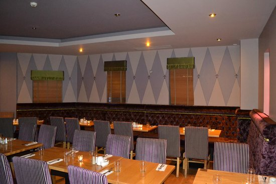 Arena Seven: Wood Berry Grill Bar & Restaurant Arena7