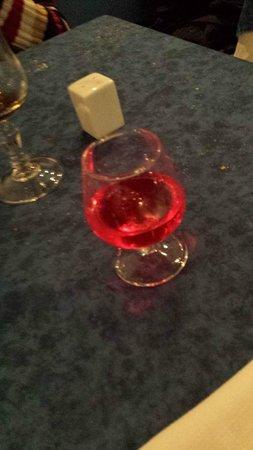 Ile de Crete : le liqueur à l'eau de rose!! (la découverte de la soirée)