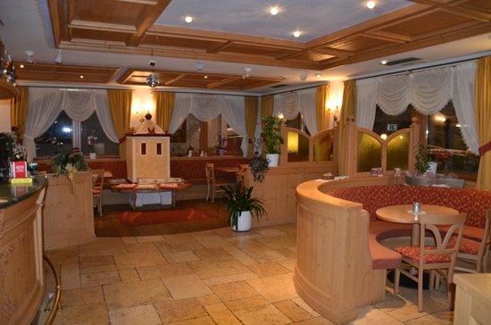 Hotel Alba: Bar