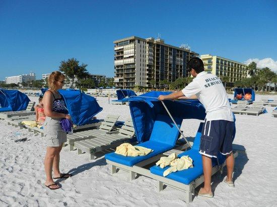 Sirata Beach Resort: beach chairs