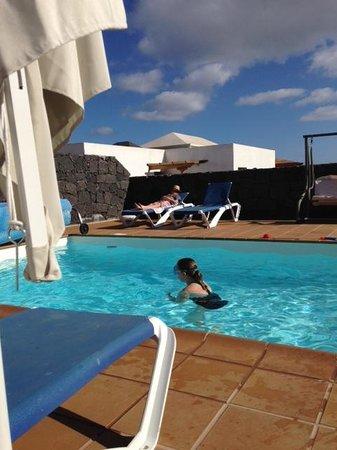 Vista Lobos Villas: Pool area