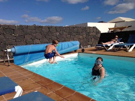 Vista Lobos Villas : Pool area