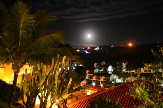 Rio Buzios Beach Hotel : vista de noche..desde el Hotel