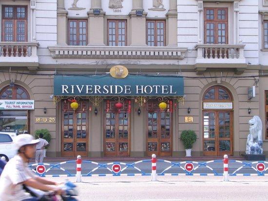 Riverside Hotel Saigon: Das Riverside am Tag