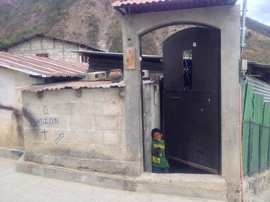 La Casa de Alicia: Alicia's home, being welcomed in!