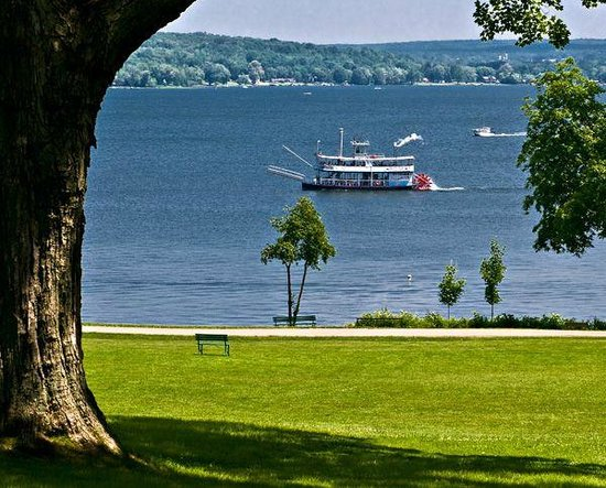 Chautauqua Institution: Beautiful lake vistas