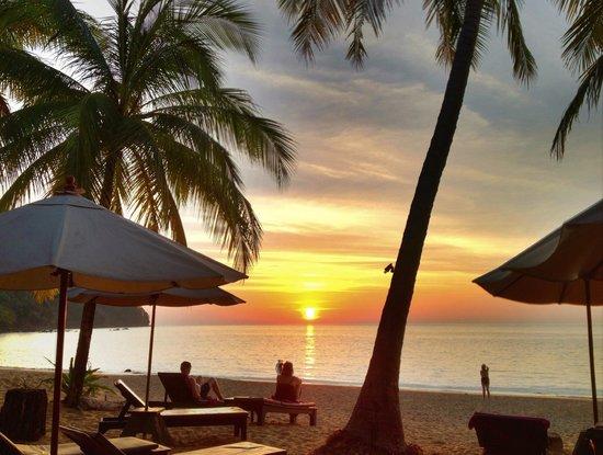 Khaolak Paradise Resort: Coucher de soleil