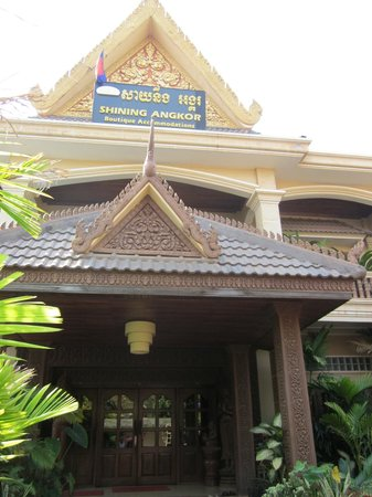 Shining Angkor Boutique Hotel: Entrance