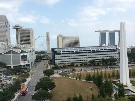 Fairmont Singapore : view from balcony window