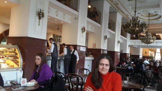 Cafe Hotel Moskva: birthday cake break in belgrade