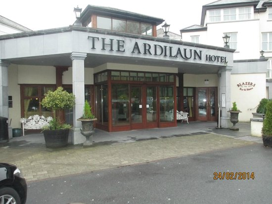 The Ardilaun Hotel : Front of Hotel
