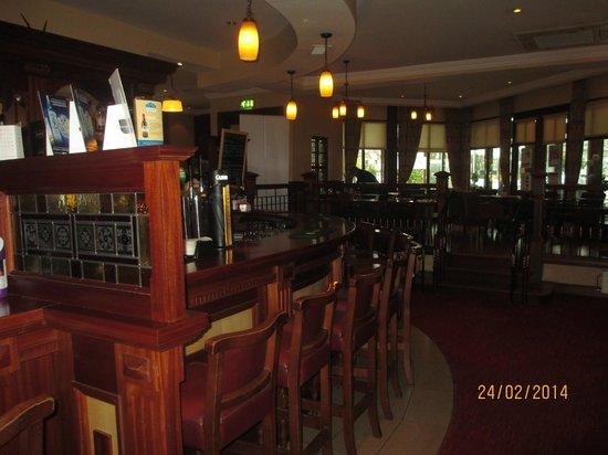 The Ardilaun Hotel : Bar area