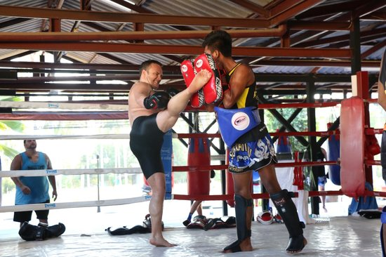 Supa Muay Thai: training