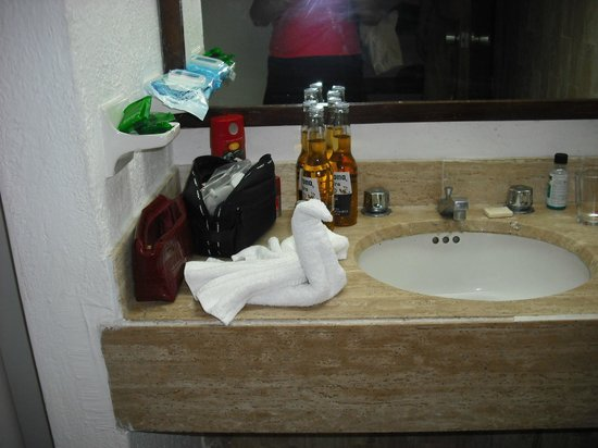 Las Palmas by the Sea: Bathroom