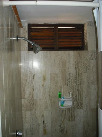 Las Palmas by the Sea: Shower