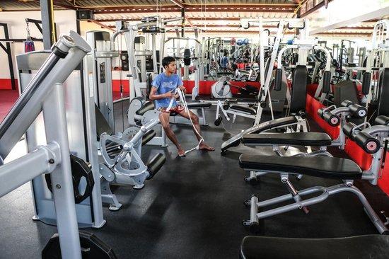 Supa Muay Thai: weights gym