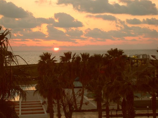 Louis Phaethon Beach: Sunset from balcony
