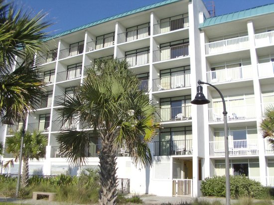 Bermuda Sands Motel: Our room from the ground