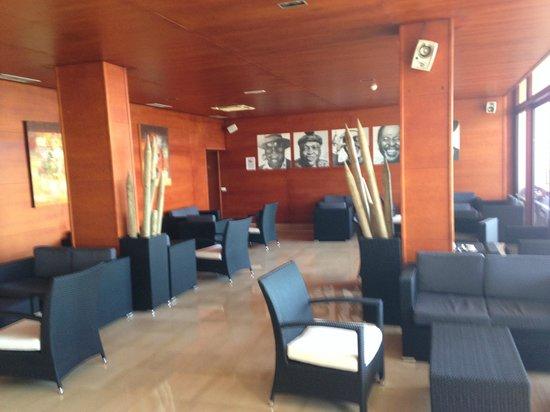 Melia Jardines del Teide : Bar hotelowy