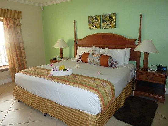 Bay Gardens Beach Resort: Room 510