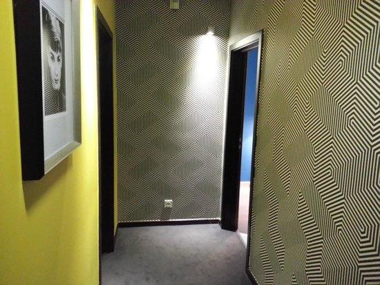 Internacional Design Hotel: corridor at 4th floor