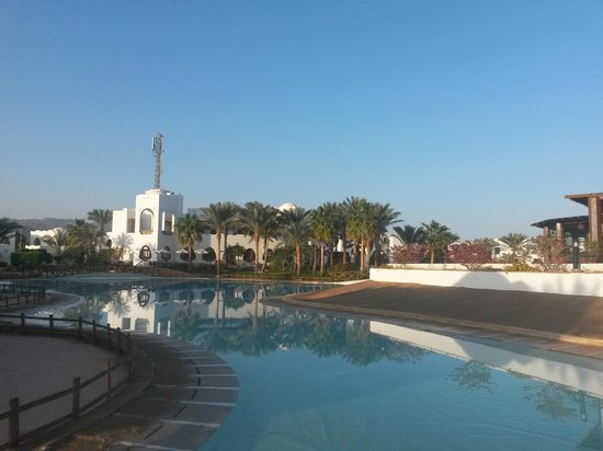 Dahab Resort : центр и фальшбассейн