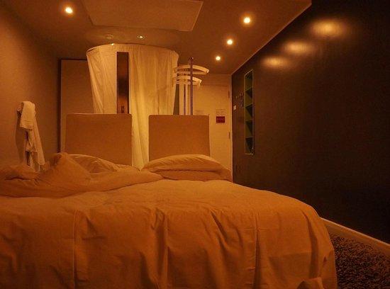 Radisson Blu es. Hotel, Roma : Room 320 - center shower