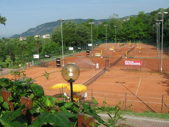 Poiano Resort Appartamenti: A paradise for tennis players