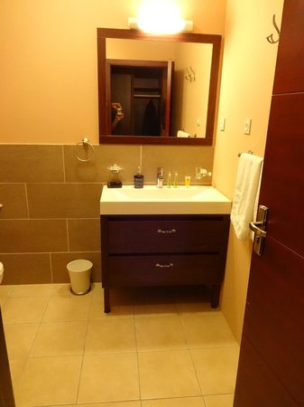 Hotel Sarah Nui : Badezimmer