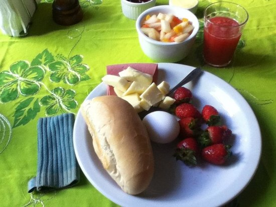 Casa MangoMango: Breakfast